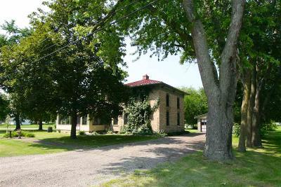 Omro Single Family Home For Sale: 511 Harrison Avenue Avenue