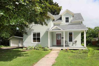 Omro Single Family Home For Sale: 137 East Scott Street Street