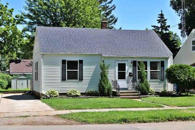 Oshkosh Single Family Home For Sale: 1826 Jefferson Street Street