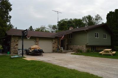 Fond du Lac County Single Family Home For Sale: N4211 Barton Road Road