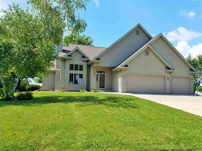 Fond du Lac County Single Family Home For Sale: 1200 Hwy V