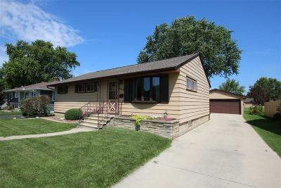 Fond du Lac County Single Family Home For Sale: 609 Bragg Street Street