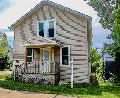 Oshkosh Single Family Home For Sale: 641 Poplar Avenue Avenue