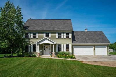 Omro Single Family Home For Sale: 5971 Church Road Road