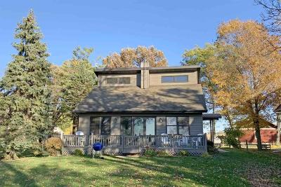 Fond du Lac County Single Family Home For Sale: N9782 Highland Park Road Road