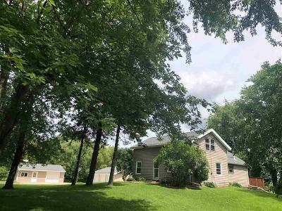 Oakfield WI Single Family Home For Sale: $164,900