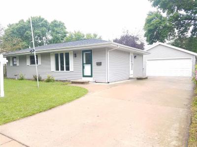Oshkosh Single Family Home For Sale: 1015 Windsor Street Street