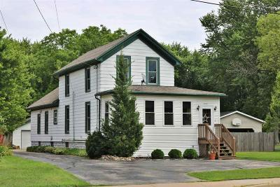 Oshkosh Single Family Home For Sale: 2766 Fond Du Lac Road Road