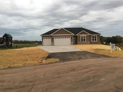 Fond Du Lac Single Family Home For Sale: W6771 Osage Court Court