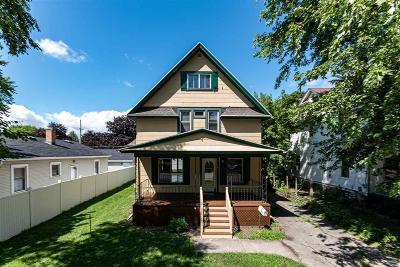 Oshkosh Single Family Home For Sale: 1637 Jackson Street Street