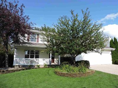 Fond Du Lac Single Family Home For Sale: 465 Mary Lee Drive Drive