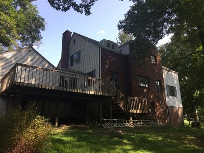 Spencer WV Single Family Home For Sale: $169,900