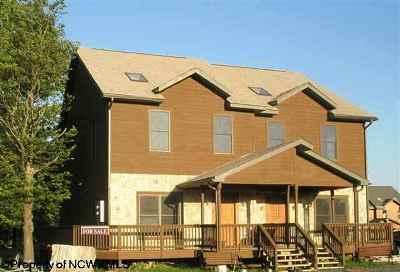 Davis Condo/Townhouse For Sale: 18 B Skynight Drive