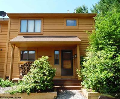Davis Condo/Townhouse For Sale: Deerfield 73 254 Bensland Rd. Circle