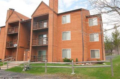 Davis Condo/Townhouse For Sale: D-304 Herzwood Drive