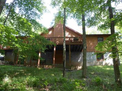 Single Family Home For Sale: 7 Fern Lane