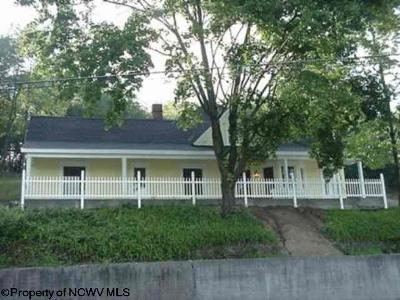 Elkins Single Family Home For Sale: 301 South Randolph Avenue