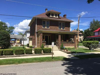 Elkins Single Family Home For Sale: 17 Locust Street