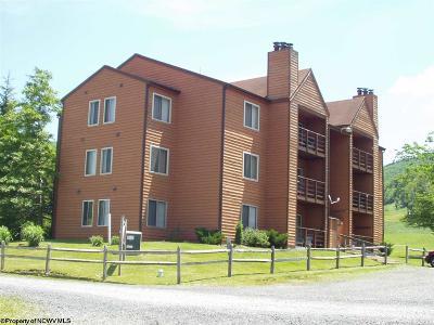 Davis Condo/Townhouse For Sale: C203 Herzwoods Court