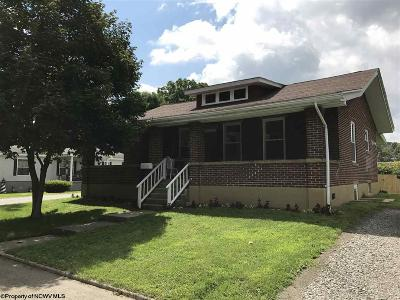 Elkins Single Family Home For Sale: 108 Tenth Street