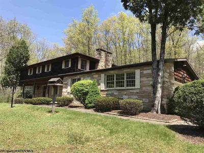 Elkins Single Family Home For Sale: 911 Country Club Road