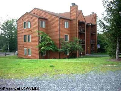 Davis Condo/Townhouse For Sale: D302 Herzwoods Court