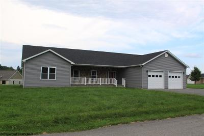 Elkins Single Family Home For Sale: 72 Bosworth Drive
