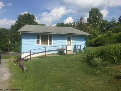 Morgantown Single Family Home For Sale: 4112a Grafton Road