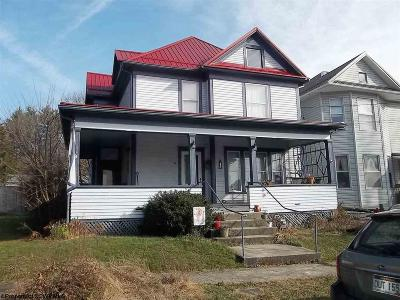 Elkins Single Family Home For Sale: 34 Vine Street