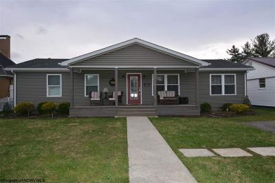 Elkins Single Family Home Contingent: 922 S Kerens Avenue