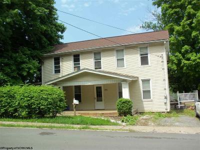 Morgantown WV Single Family Home For Sale: $159,900