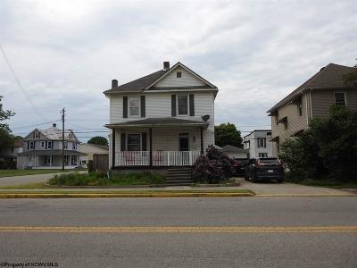 Elkins Single Family Home Contingent: 1318 South Davis Avenue