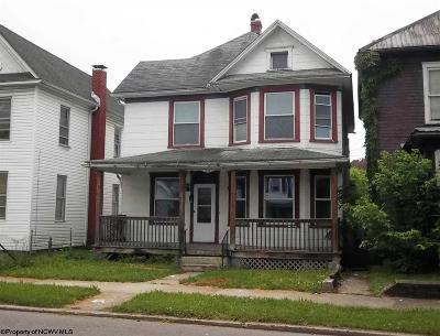 Elkins Single Family Home For Sale: 110 Davis Street