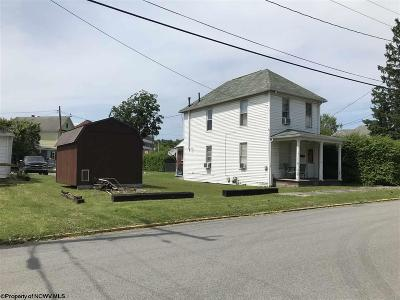 Elkins Single Family Home Contingent: 219 Scott Street