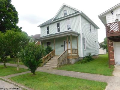 Elkins Single Family Home For Sale: 1509 Taylor Avenue