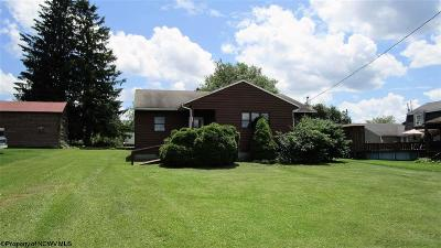Davis WV Single Family Home For Sale: $90,000