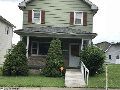 Elkins Single Family Home Contingent: 609 Yokum Street