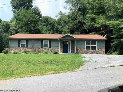 Morgantown WV Single Family Home New: $182,000