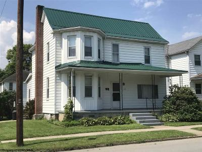 Elkins Single Family Home For Sale: 120 Davis Street
