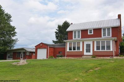 Elkins Single Family Home Contingent: 1031 Arnold Hill Road