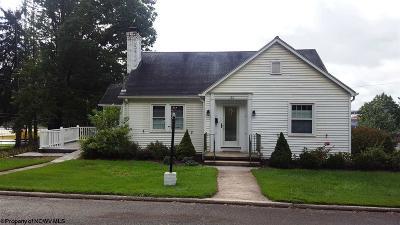 Elkins Single Family Home Contingent: 122 Grandview Avenue