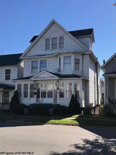 Elkins Single Family Home For Sale: 204 First Street