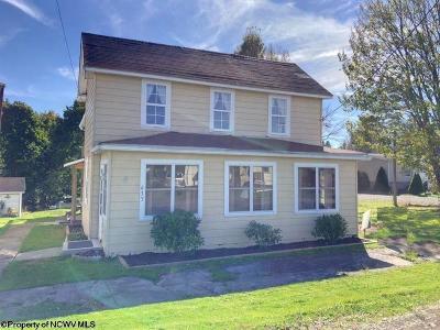 Davis Single Family Home For Sale: 633 Blackwater Avenue