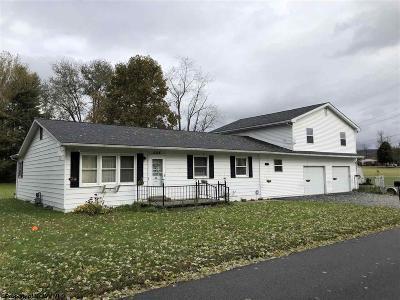 Elkins Single Family Home For Sale: 204 Andrews Street