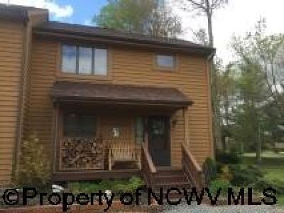 Davis Condo/Townhouse For Sale: 88 Deerfield Circle