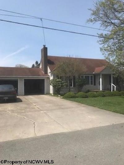 Elkins Single Family Home For Sale: 327 Grant Street
