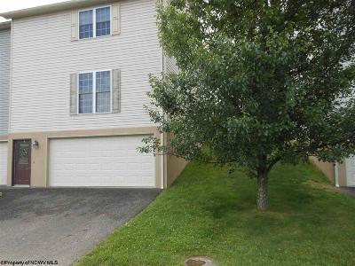 Morgantown Condo/Townhouse For Sale: 47 Clear Spring Drive