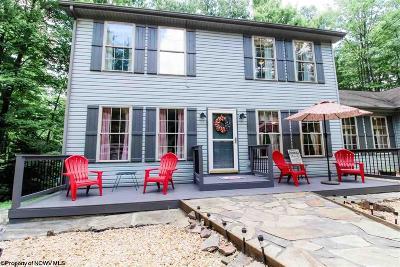 Terra Alta Single Family Home For Sale: 625 Laurel Circle
