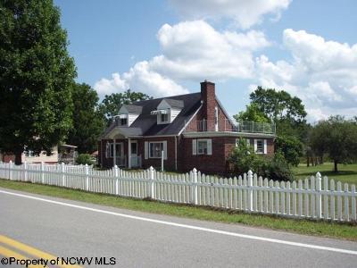 Elkins Single Family Home New: 516 Ferguson Road