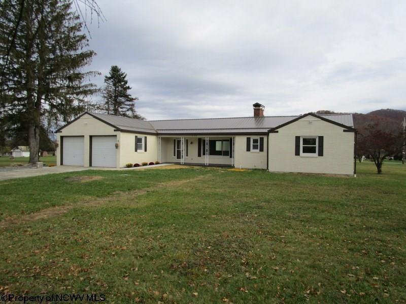 1075 Chenoweth Creek Road, Elkins